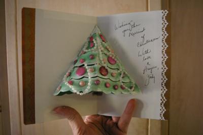 A Pop Up Christmas Tree!